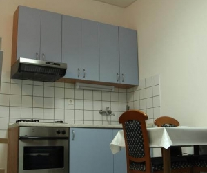 Ground Floor Apartment for 4 People I