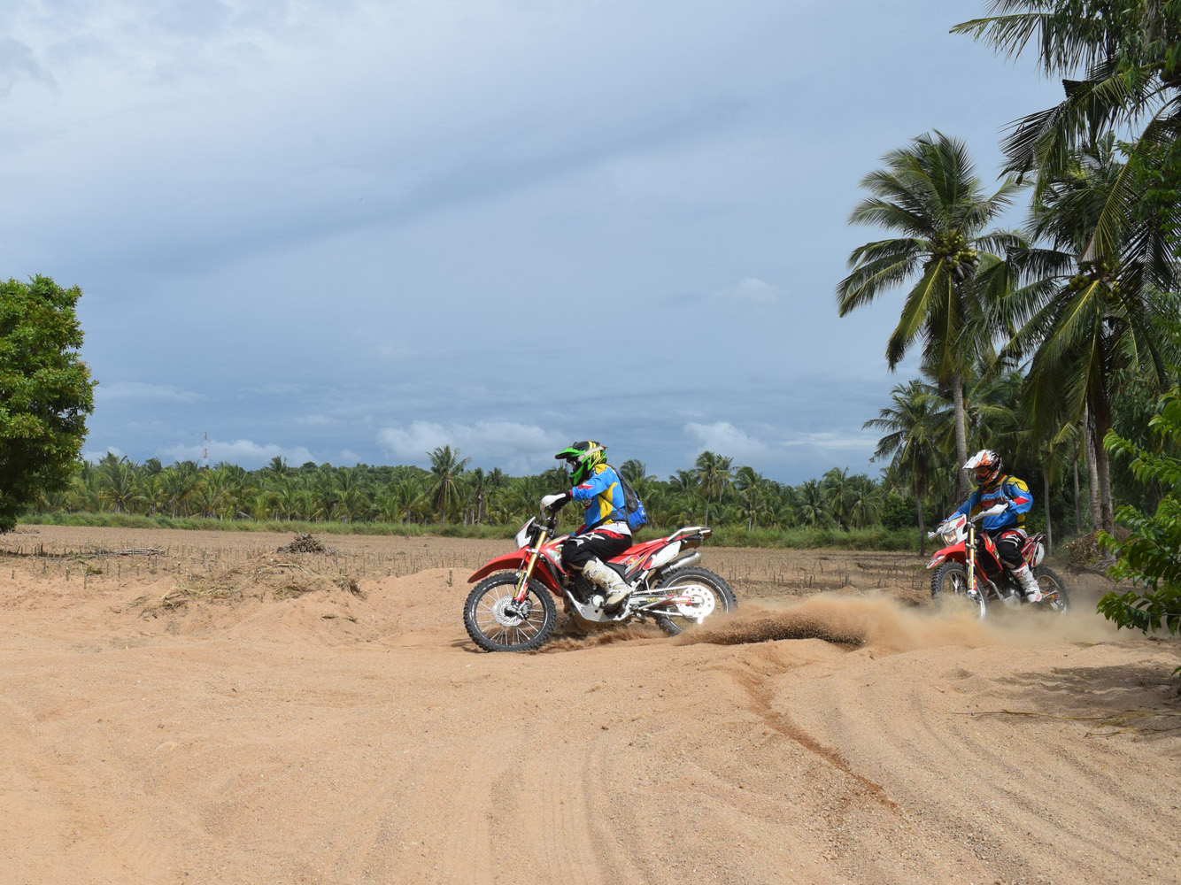media/plg_solidres_experience/images/996a7121b7bfa4c1754abbf8d46405af/thailand-enduro-reise.jpg