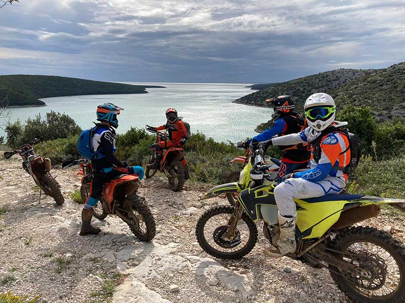 Enduro Island Hopping